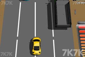 《疯狂公路汽车赛》游戏画面2
