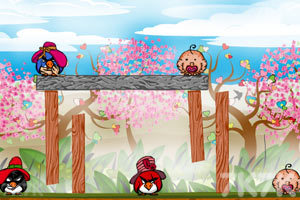《不愤怒的小鸟情人节版》游戏画面7