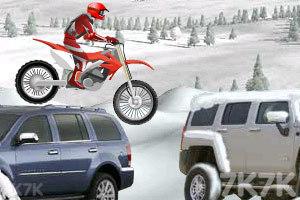 《冰山雪地摩托车》游戏画面3