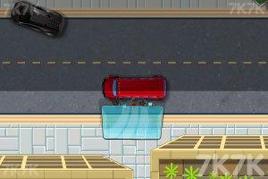 《停靠双层大巴》游戏画面2