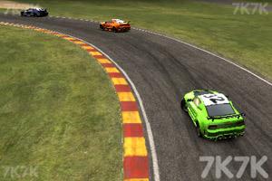 《公路飙车》游戏画面3