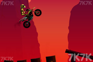 《火山摩托车特技赛》游戏画面1
