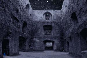 《逃离灰暗古城堡》游戏画面1