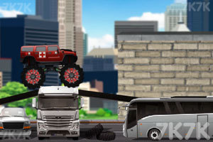 《大脚车向前冲》游戏画面2