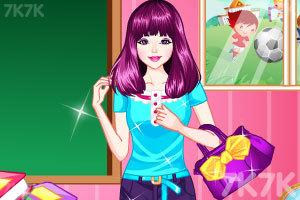《时尚的女老师》游戏画面3
