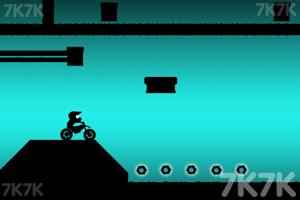 《黑色越野摩托》游戏画面2