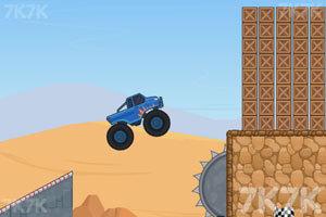 《超级大脚车挑战赛》游戏画面5