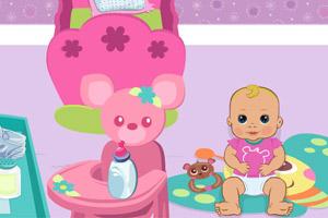 幼儿园照顾小宝宝